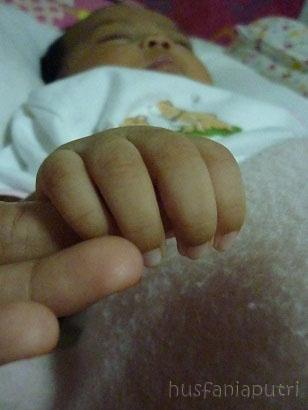 tangan Aubrey dan tangan saya