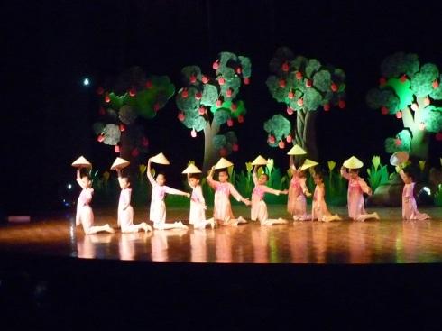 Vietnamese Dance
