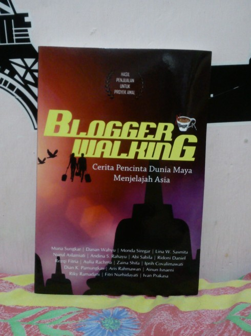 Buku Blogger Walking